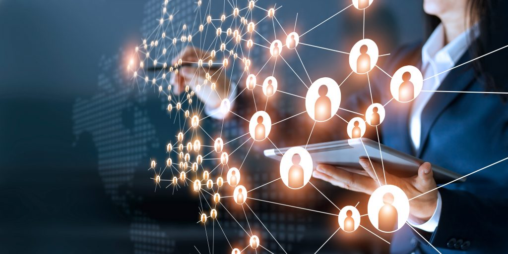 Effective Networking in a Virtual World